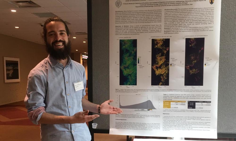 João Coelho ready to present his Poster at the PaleoMeetings 2019